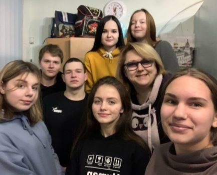 Активисты Молодёжного волонтёрского движения помогли навести порядок в социальном центре «Очаг»