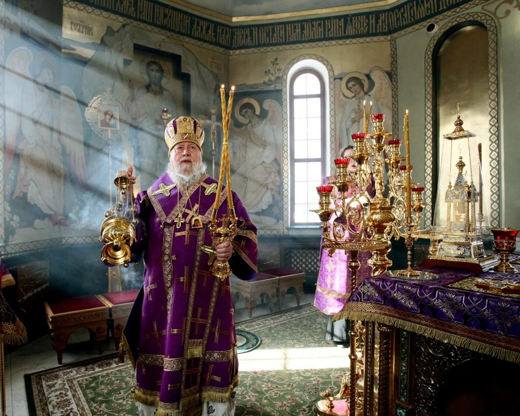 Епископ Балахнинский Илия совершил Божественную литургию в храме в честь преподобного Серафима Саровского
